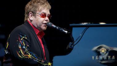 Elton John am Klavier. Foto: Ernst Vikne, CC BY-SA 2.0