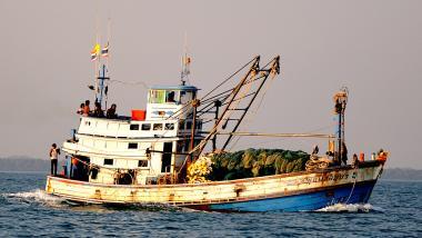 Thailändischer Fischkutter. Bildquelle:  Philippe Gabrie, CC 2.0