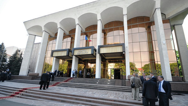 Pro NATO- und IWF-Kurs in Gefahr - Erfolgreicher Misstrauensantrag gegen Regierung in Moldawien