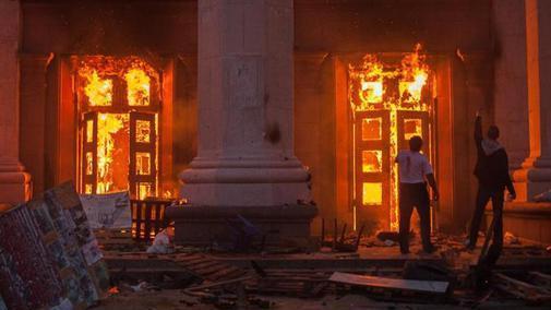 """Laut den neuen Leitlinien für nationalpatriotische Erziehung lautet das Odessa-Narrativ """"Die Demonstranten haben sich selber angezündet"""" - Quelle: Ruptly"""