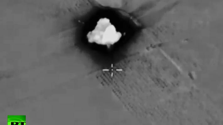 Russische Luftwaffe zerstört Kommandoposten, Treibstofflager und Bunkeranlage des IS