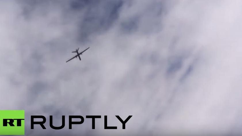 Über den Wolken Syriens - Russischer Kampfjet trifft auf US-Drohne