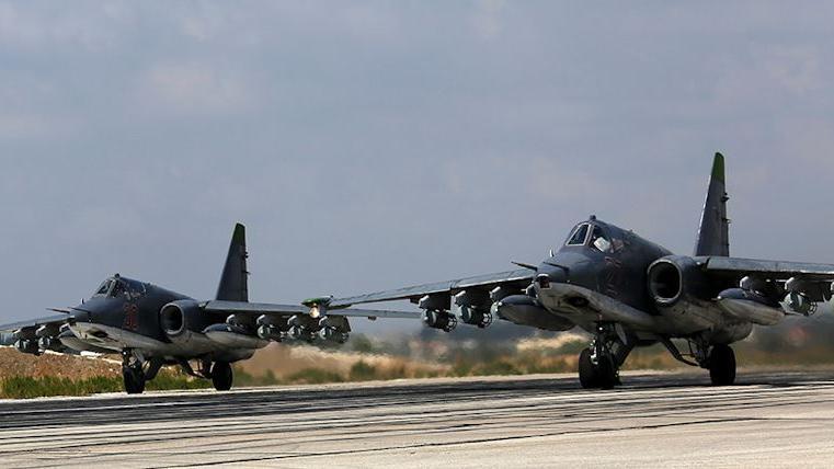Russisches Verteidigungsministerium: In 24 Stunden 9 IS-Basen in Syrien zerstört, davon eine T-55 Panzereinheit