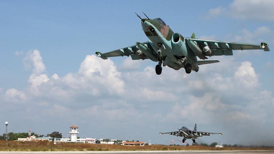 Russische Luftwaffe schneidet IS bei Aleppo von Versorgungslinien ab