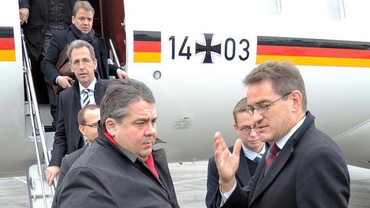 Vizekanzler Sigmar Gabriel in Moskau – Gespräche zu Wirtschaftsbeziehungen und mögliches Ende der Sanktionen