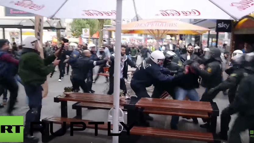 Demonstration in Stuttgart nach Bombenanschlag in Ankara: Zusammenstöße mit der Polizei