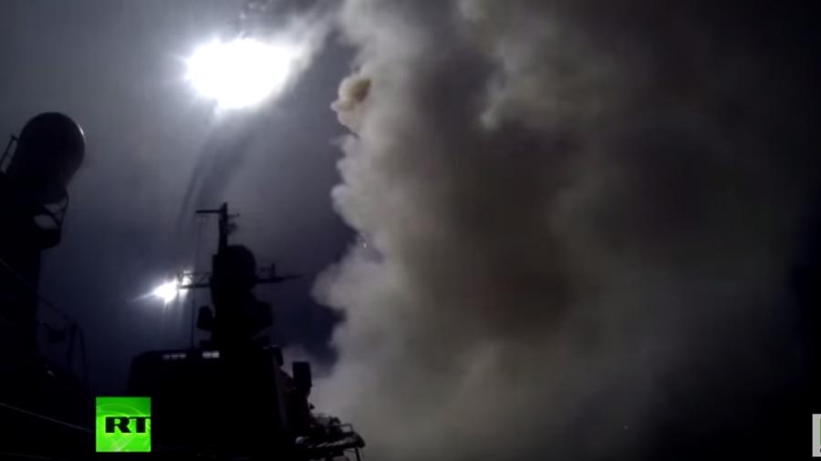Video zeigt Raketenabschüsse der russischen Marine auf IS-Stellungen in Syrien