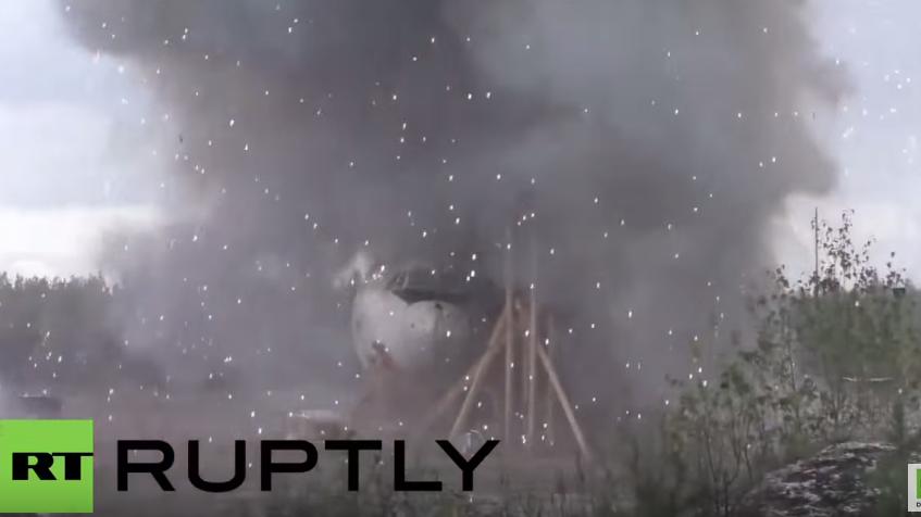 """Video zeigt Simulationstests zu MH17, die den niederländischen Ergebnissen """"völlig widersprechen"""""""