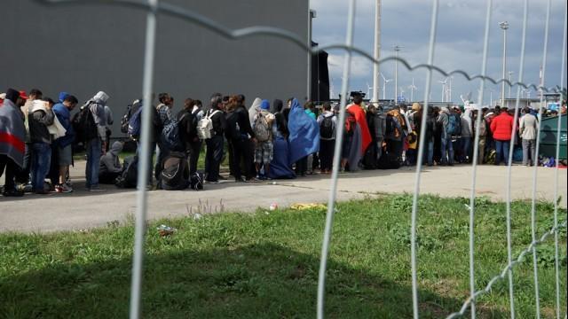 Live aus Passau von der Flüchtlingssituation an der deutsch-österreichischen Grenze