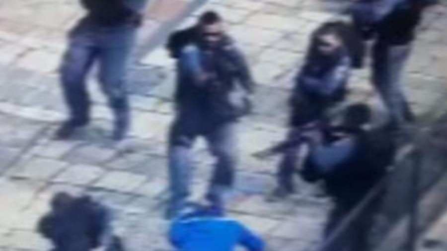 Video: Palästinenser verübt Messerangriff auf israelische Polizisten und wird niedergeschossen