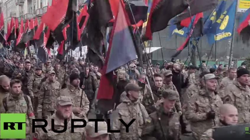 """""""Heil Ukraine!"""" - Tausende Bandera-Verehrer marschieren durch Kiew"""