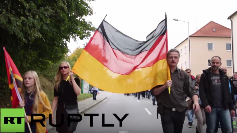 """Sebnitz: 3.000 Menschen folgen Pegidas Aufruf zur """"Grenzschließung"""""""