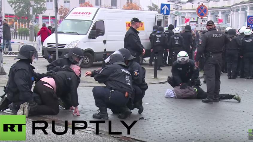 Rostock: Eskalation bei AfD-Marsch gegen Flüchtlingspolitik – Linksextreme gegen Rechtsextreme