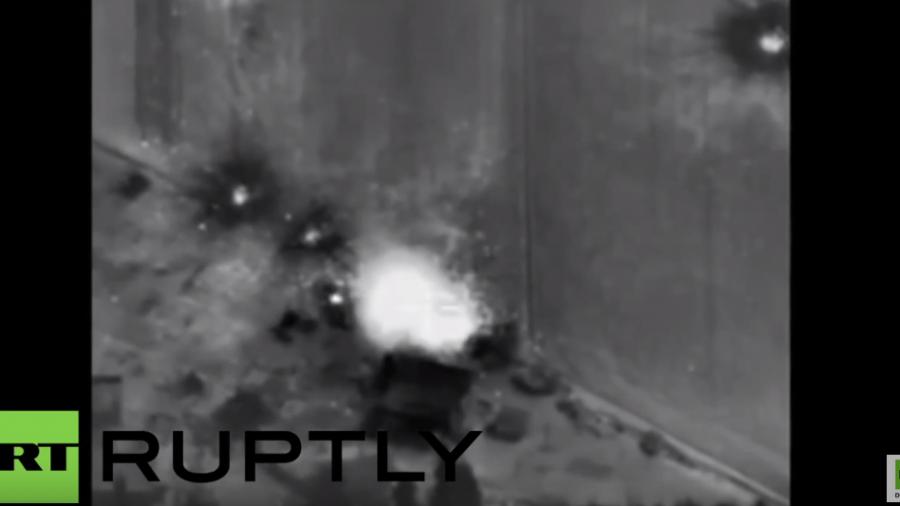 Russische Luftschläge erfolgreich: Fabrik von Terroristen zur Waffenbestückung zerstört