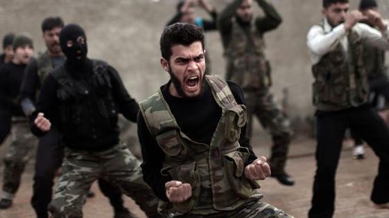 Asow und Al-Nusra jubeln - Pentagon-Budget für 2016: 600 Millionen US-Dollar für syrische Rebellen und 300 Millionen  für Kiew