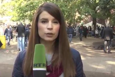 Video: LaGeSo Berlin Erstaufnahmestelle: Konkurrenz unter Flüchtlingen