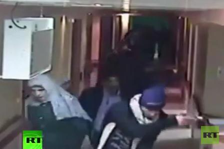 Als Palästinenser verkleidete israelische Soldaten stürmen Krankenhaus in Hebron und töten Besucher
