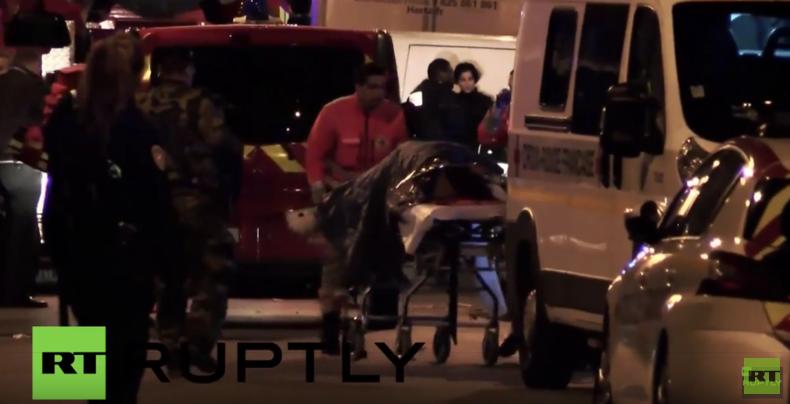 Terrorserie in Paris: Verletzte werden eilig in Krankenhäuser gebracht
