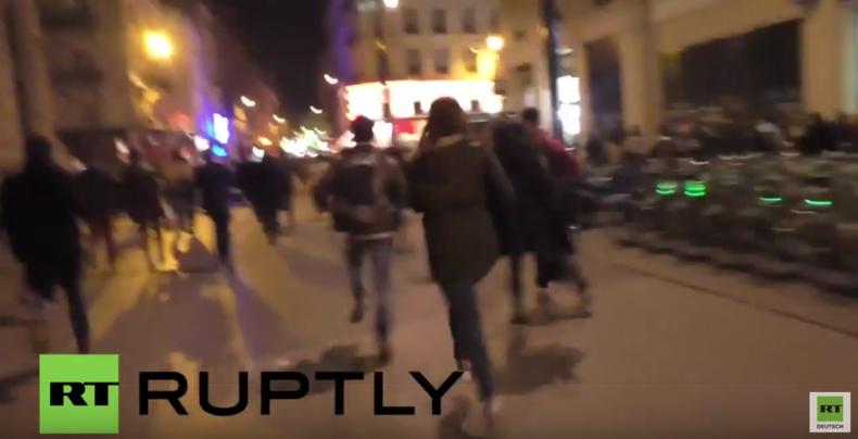 Paris: Die Angst steckt noch in den Knochen - Knallgeräusch löst Massenpanik aus