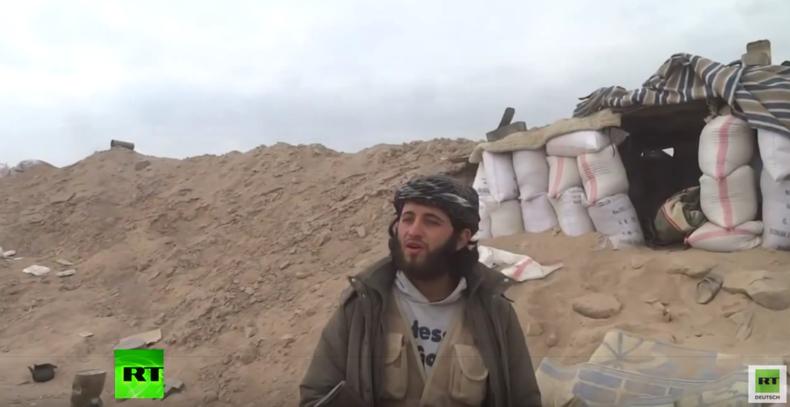Syrien: Al-Nusra-Kommandeur vor laufender Kamera durch Mörserfeuer getötet
