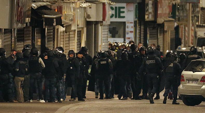 Paris: Selbstmordattentäterin sprengt sich in die Luft - Feuergefecht bei Razzia