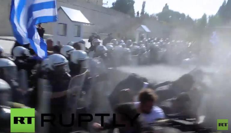 Athen: Zusammenstöße zwischen Landwirten und Polizei bei Protesten gegen Sparpolitik