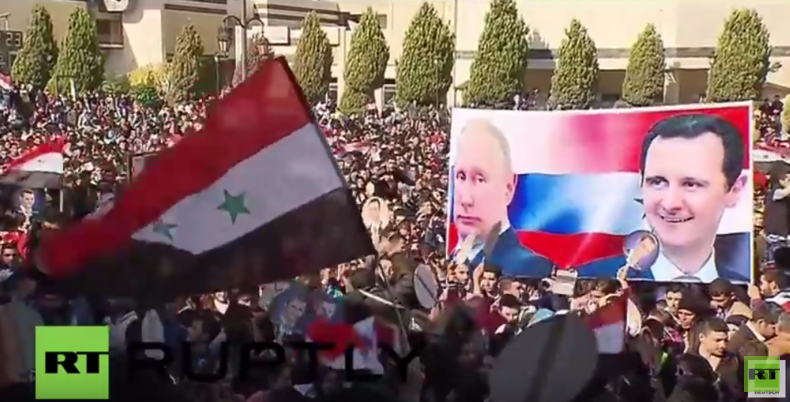 """Syrien: """"Mit den russischen Luftangriffen wurde unser Leben besser"""" -  Tausende danken Russland"""