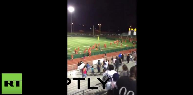 USA - Die Angst geht um: Schüsse während Football-Spiel lösen Massenpanik aus