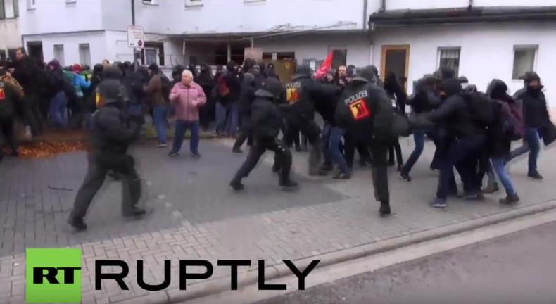 Über 100 Menschen bei Protest gegen NPD-Konferenz in Weinheim verhaftet