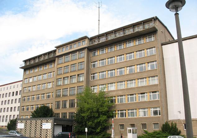 Zuflucht bei der Stasi? Ex-Stasi-Hauptquartier in Ostberlin als Unterkunft für 900 Flüchtlinge