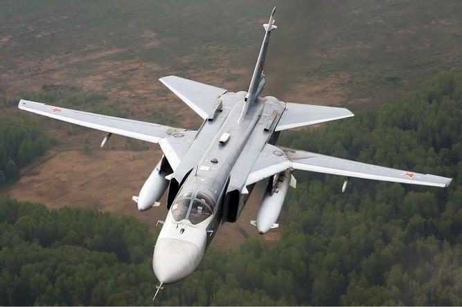 Türkische Luftwaffe schießt russischen Kampfjet über Syrien ab – Videos des toten Piloten kursieren