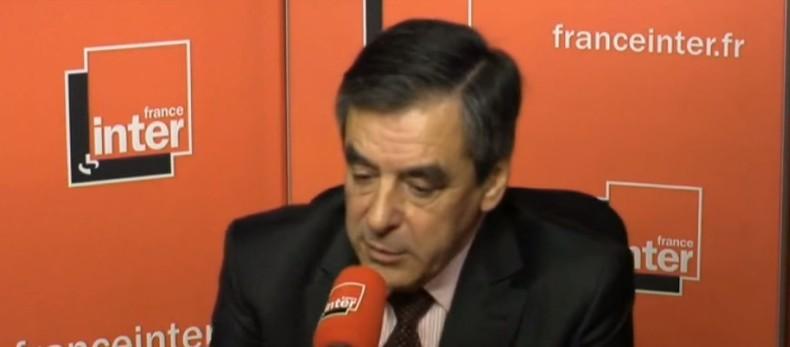 """Französischer Ex-Premier Fillon: """"Beweise, dass IS-Öl direkt in türkischen Raffinerien landet"""""""