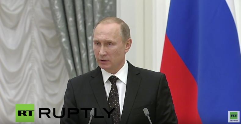 Putin: Unsere Luftaufnahmen aus Syrien zeigen hunderte Tanklaster von Terroristen in die Türkei