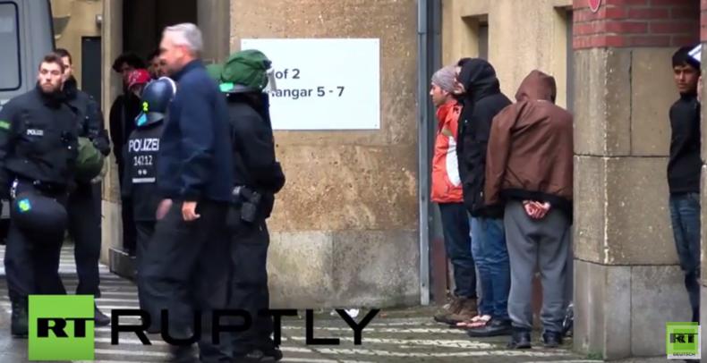 Nach Massenschlägerei zwischen Flüchtlingen in Berlin-Tempelhof Unruhestifter verhaftet