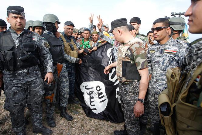 """Kann der IS mit einem völkerrechtskonformen """"Krieg"""" besiegt werden?"""