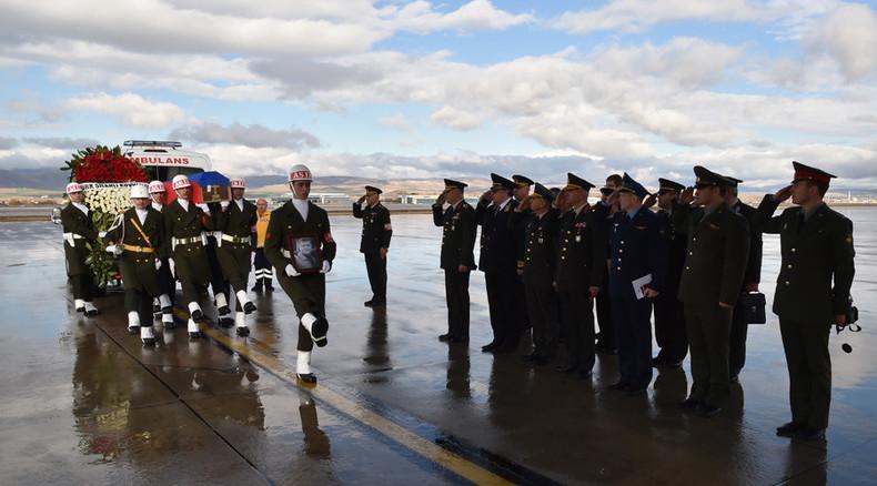 Getöteter Su-24-Pilot von Ankara nach Moskau überführt