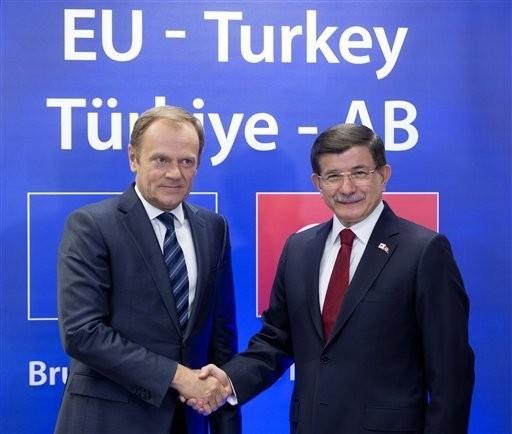 EU und Türkei einigen sich auf Aktionsplan für Beitrittsverfahren und Flüchtlingskrise