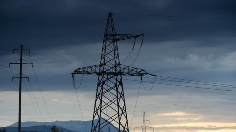 Stromtrasse auf der Krim