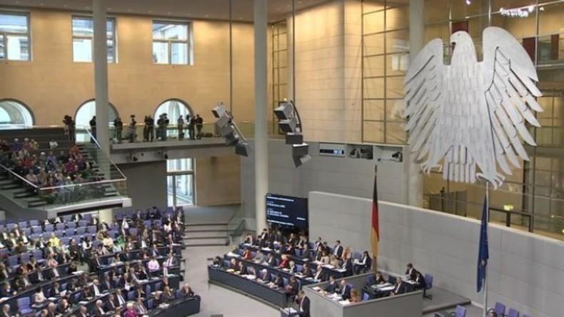 Live: Bundestag stimmt über Bundeswehreinsatz in Syrien ab