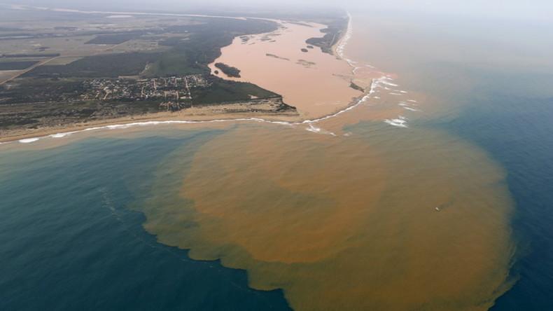 Der Giftschlamm des Rio Doce ergießt sich mittlerweile schon in den Atlantik
