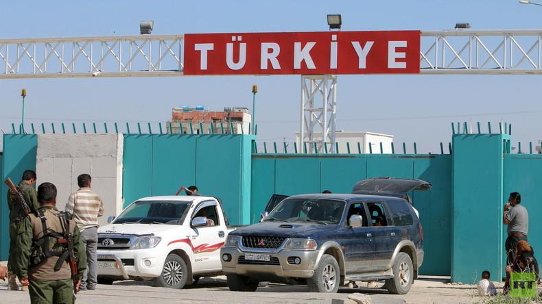 Reportage über Ölschmuggel: Türkei verhaftet russische Journalisten und verweist sie  des Landes