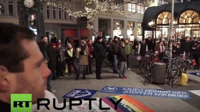 Hannover: Über 1.000 Menschen protestieren gegen Anti-IS-Einsatz der Bundeswehr in Syrien