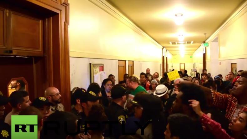 USA: Black Lives Matter Aktivisten stürmen Rathaus von San Francisco