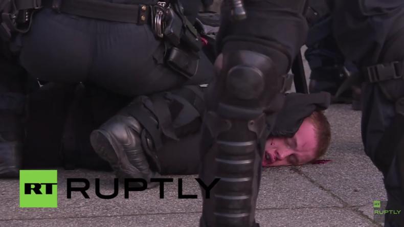 Leipzig: Schwere Zusammenstöße bei Demonstration gegen Rechte: Polizei hält Ruptly vom Filmen ab