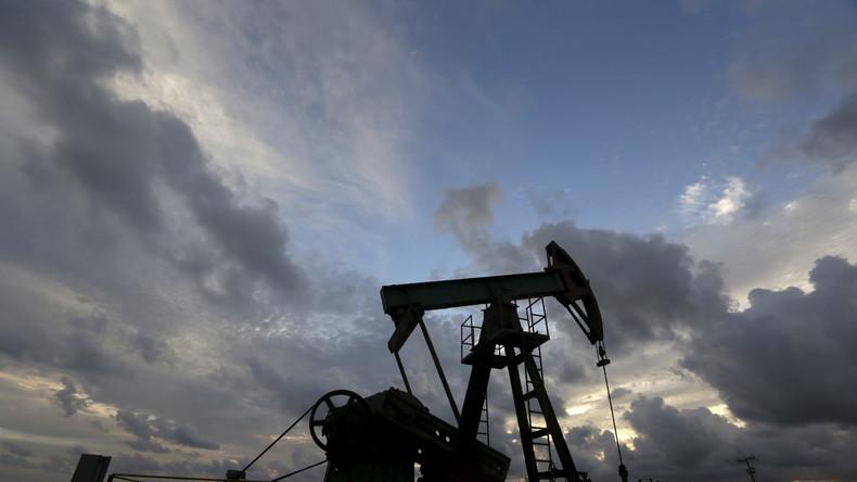 Russland rechnet mit Fall des Ölpreises auf 35 Dollar und Einbruch des Wirtschaftswachstums für 2016