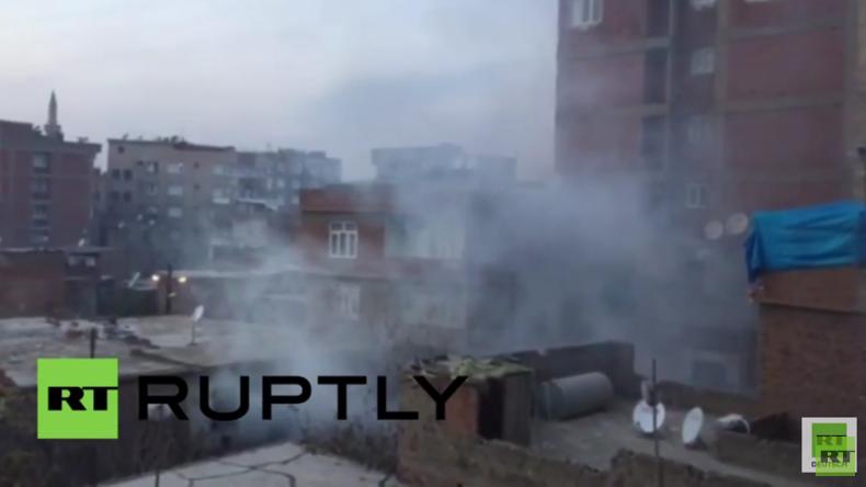 Türkei gegen die PKK: Schüsse hallen durch Diyarbakir