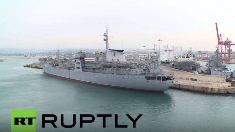 """Lenkwaffenkreuzer """"Moskwa"""" schützt russische Kampfjets über Latakia"""