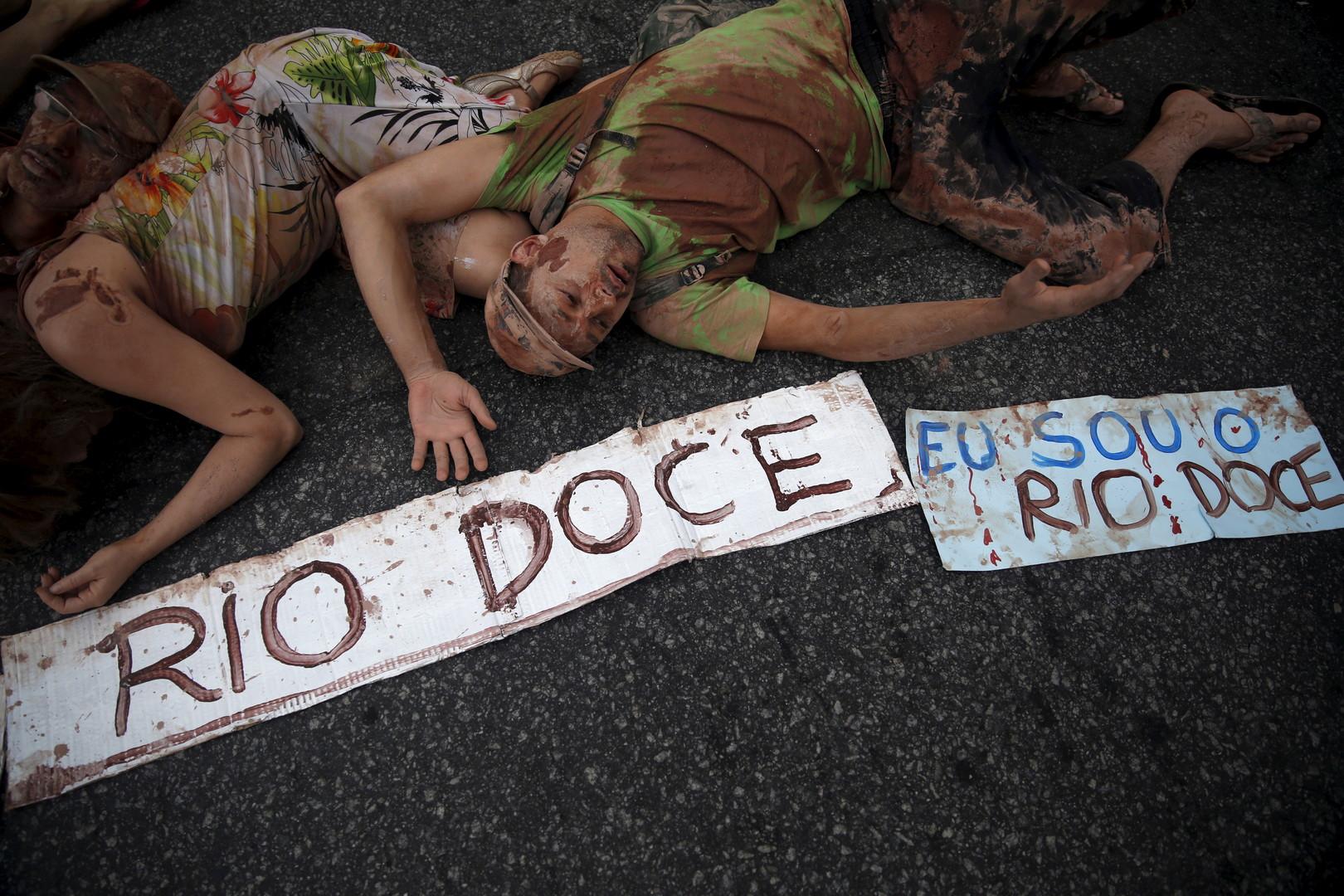 """""""Ich bin Rio Doce"""" - Zivilgesellschaftlicher Protest in Rio de Janeiro gegen die Vertuschung des """"Fukushimas Brasiliens"""""""