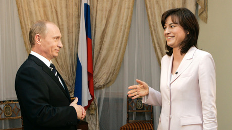 2006 redete man noch miteinander: Russlands Präsident Wladimir Putin empfängt ZDF-Polittalkerin Maybrit Illner
