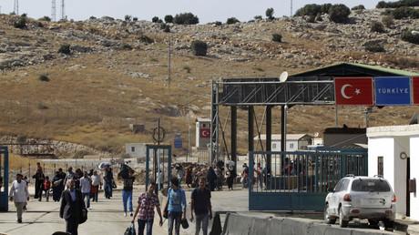 An der türkisch-syrische Grenze in Bab al-Hawa, Idlib Provinz